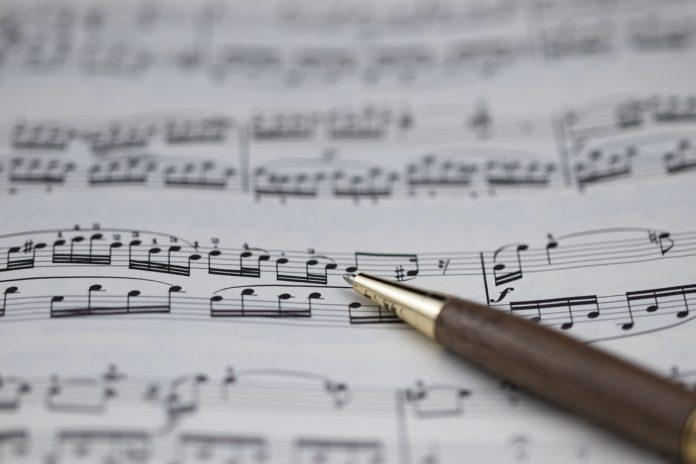 オルタード上のメロディ オルタードスケールと複雑なコードのメロディ
